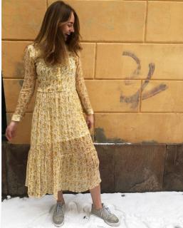 4 5 French Fashion Page 10 Wardrobe Piece 17 Spot The RdHq5wR